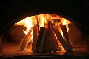 flamme-bois-chauffage-chemine